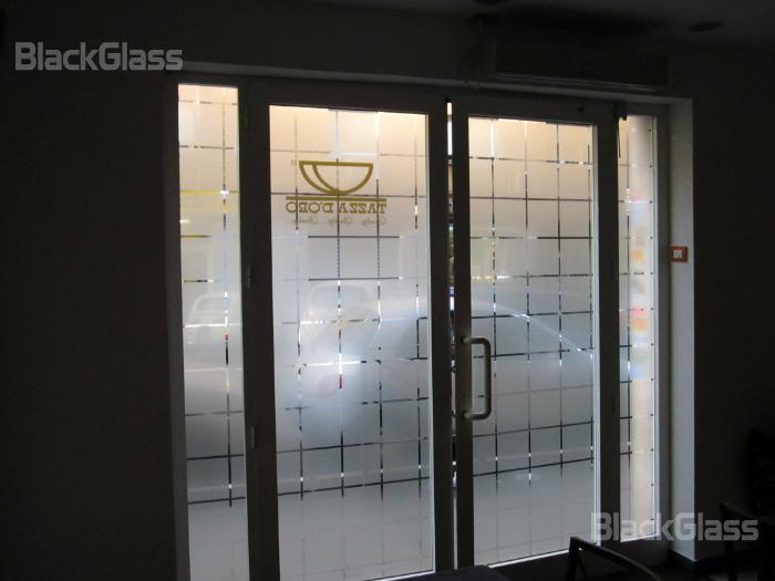 Pellicole decorative blackglass pellicole per negozi e - Pellicole adesive per vetri esterni ...